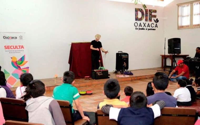 DIF Oaxaca trabaja con el corazón a favor de las familias Oaxaqueñas Mariana Nassar (1).jpg