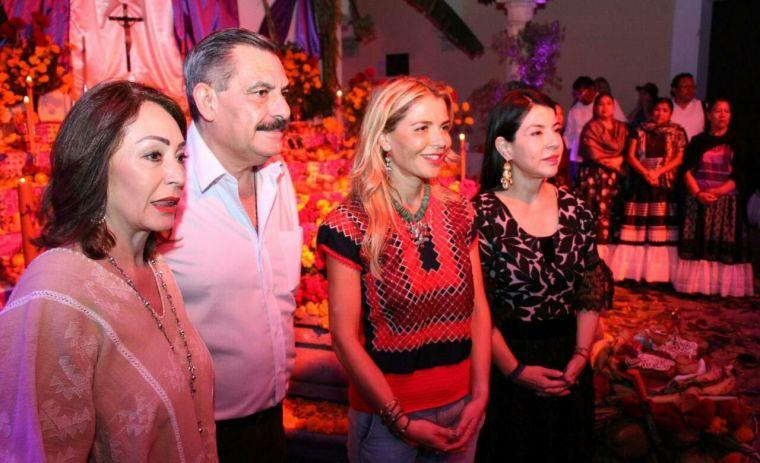 Ivette Morán participa en la Inauguración de los Altares Monumentales (4)