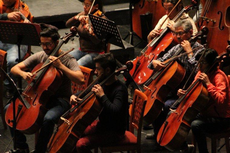 Eliseo Martínez, dirigirá su primer concierto con la oso (1)