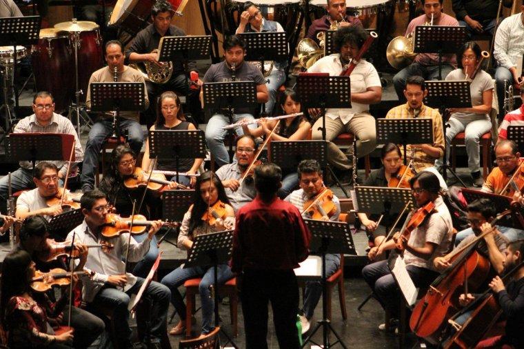 Eliseo Martínez, dirigirá su primer concierto con la oso (3) (1)
