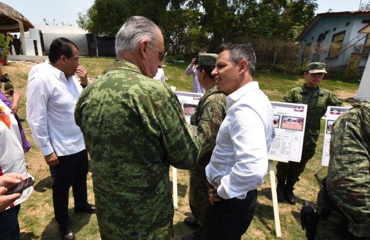 Constatan Gobierno de Oaxaca y SEDENA avances de reconstrucción de viviendas en Jamiltepec (3)