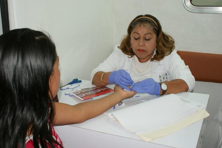 Mujeres y el VIH.JPG