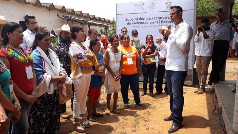 Supervisan Gobiernos estatal y federal avances en reconstrucción por sismos (5)