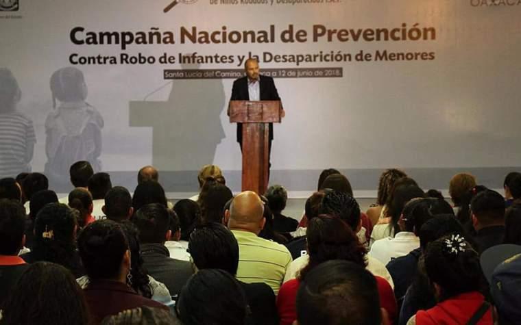 Capacitan DIF y Gobierno del Estado a servidores públicos y sociedad civil para prevenir el robo yo desaparición de infantes 3