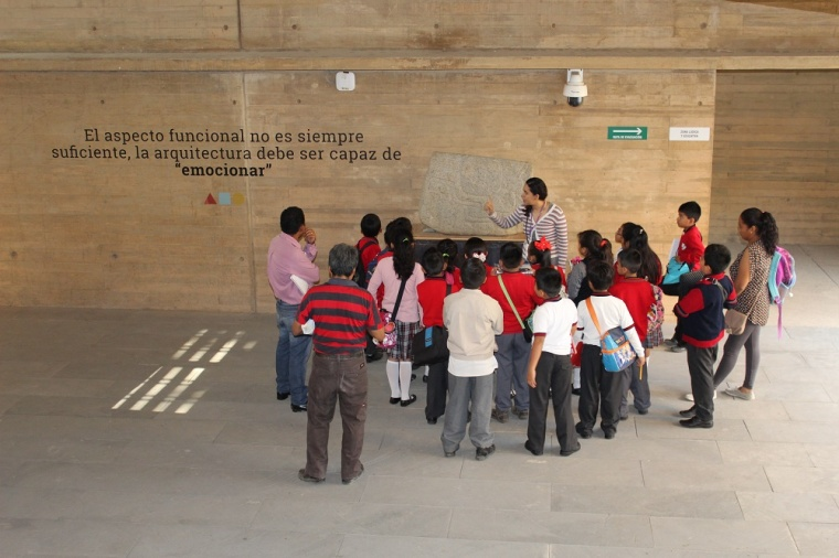 Invitan a participar en Un Encuentro con la Historia en el AGEO (1).JPG