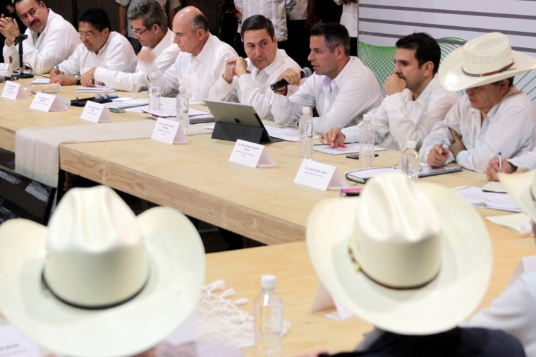 Refrendan Gobierno del Estado y Sagarpa compromiso por el desarrollo agropecuario de Oaxaca (4).jpeg